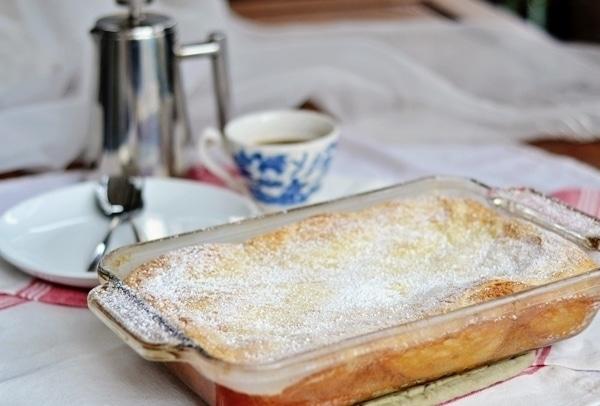 Cream Cheese Coffee Cake, it's pretty amazing! Recipe found @LittleFiggyFood
