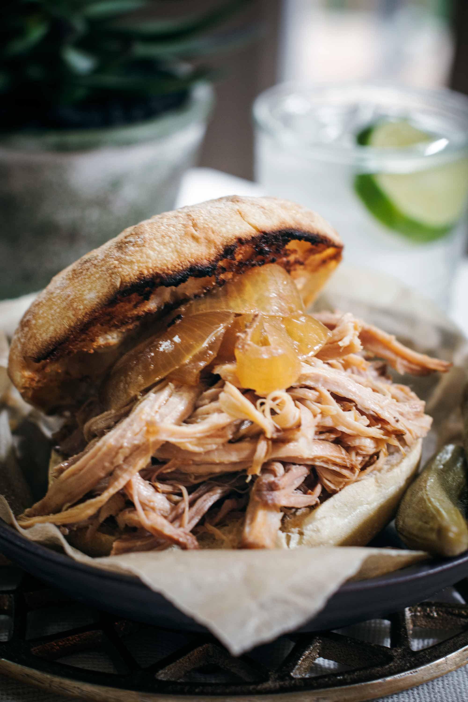 Slow Cooker Pulled Pork Sandwich Recipe