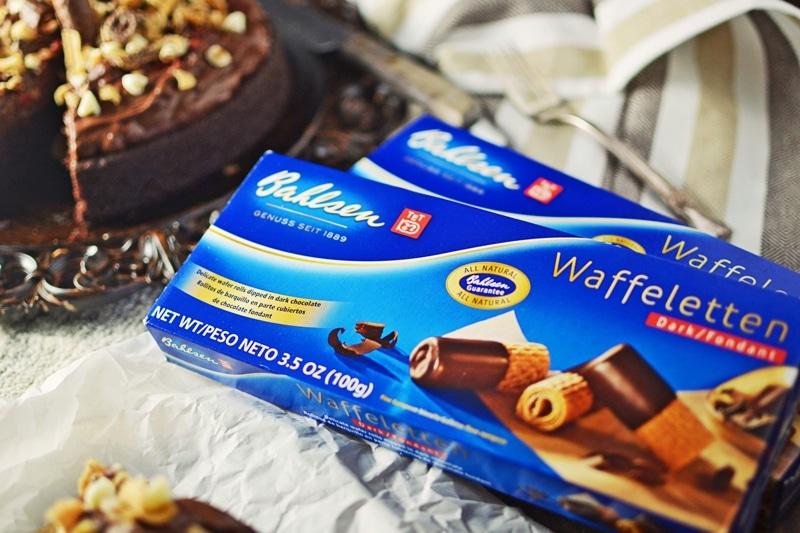 Chocolate Mousse Cake - @LittleFiggyFood - #BahlsenWafflelettenCookies