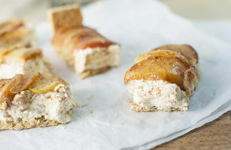 #NabiscoHolidayPlanner - Toffee Apple Cheesecake Bars