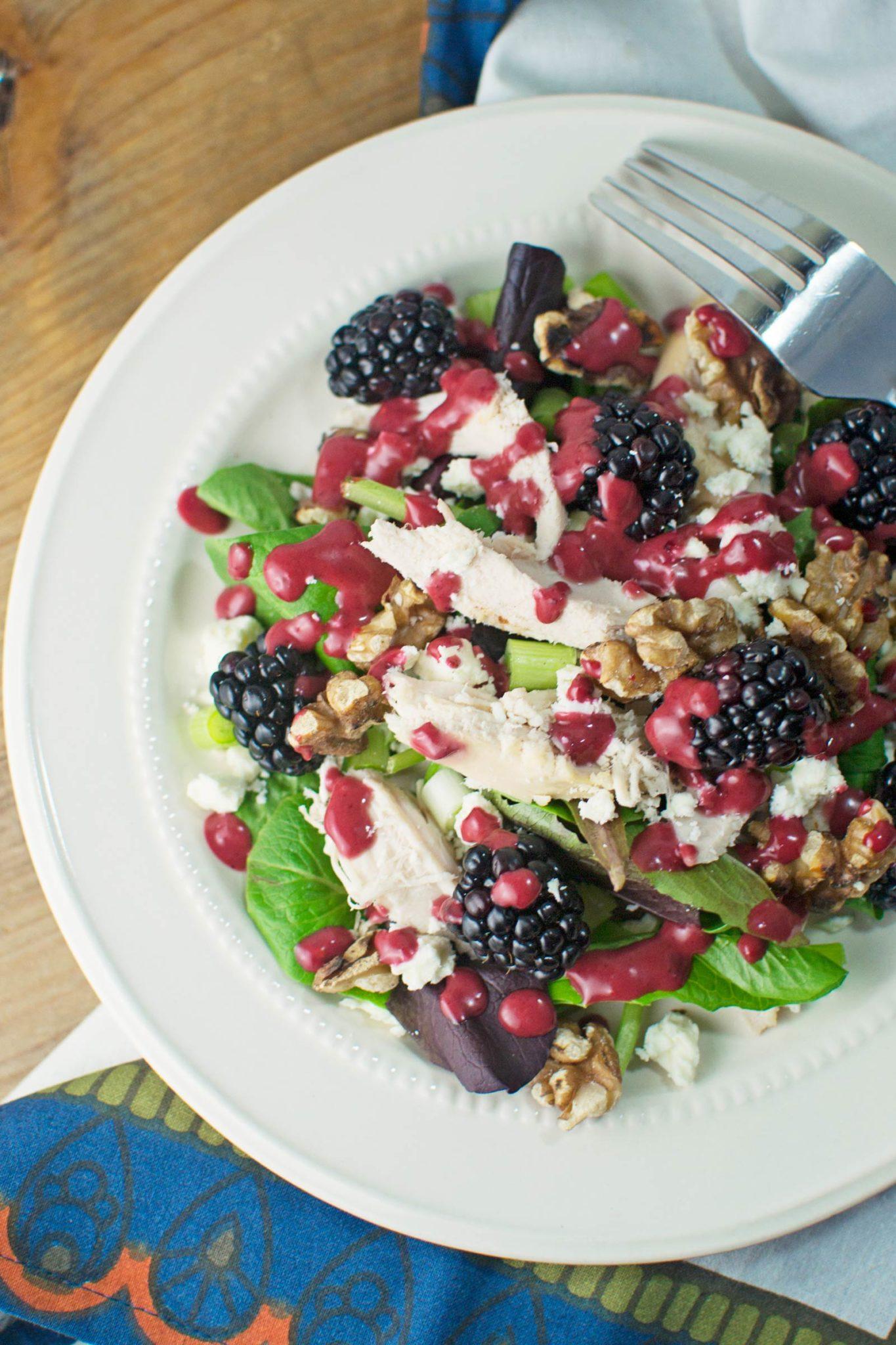 Blackberry Balsamic Vinaigrette with Chicken Feta Salad - @LittleFiggyFood - #Blackberries