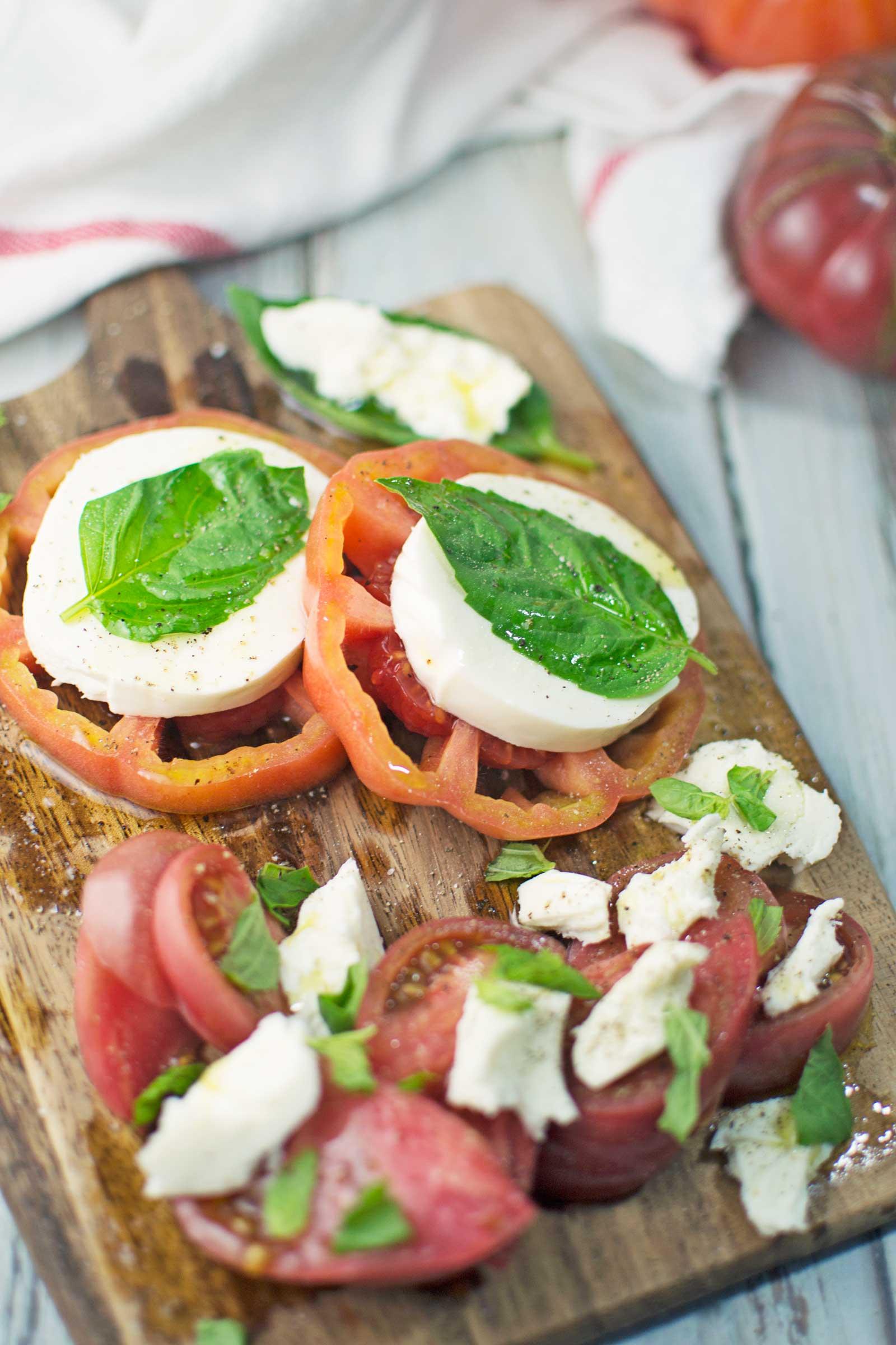 Classic Caprese Salad - @LittleFiggyFood - #Salad