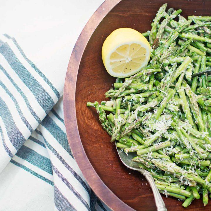 Super Easy Asparagus Caesar Salad from @LittleFiggyFood - #Salad #Asparagus #HealthyFood