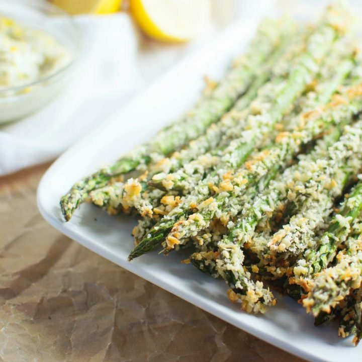 Serve up these easy to make Asparagus Parmesan Fries and garlic lemon dip for dinner or your next BBQ.