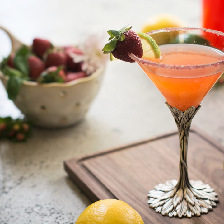Sous Vide Cocktails: Strawberry Daiquiri! Sous Vide Cooking is one of my favorite ways to cook and using a system like Vacuvita food storage system, allows you to not only vacuum seal food, but is also perfect for sous vide recipes.