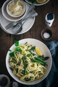 Dinner Ideas: Easy to Make Peas and Asparagus Pasta Recipe