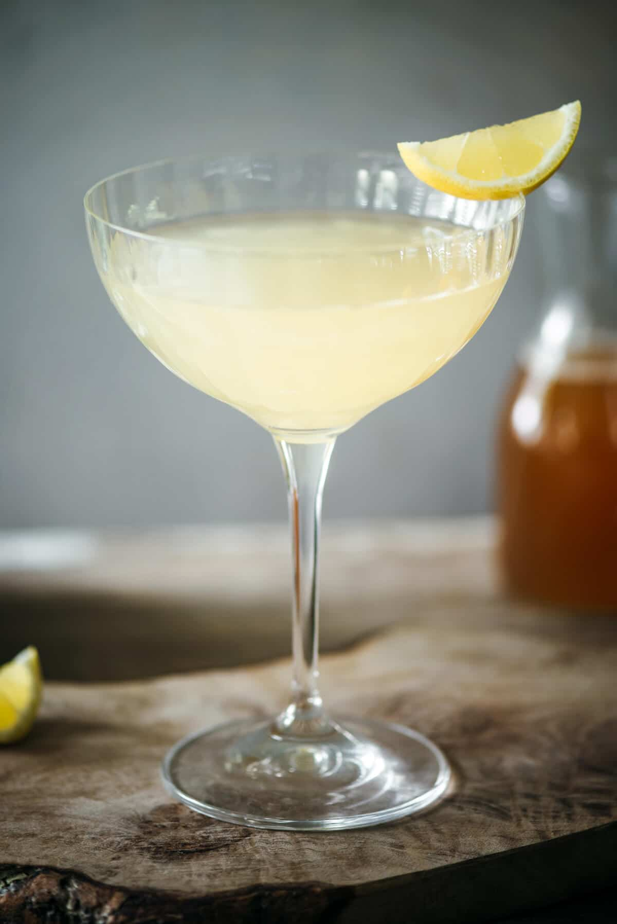 Bees Knees easy cocktail drink
