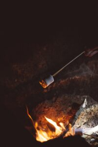 Yummiest Foods To Bring to a Bonfire Party